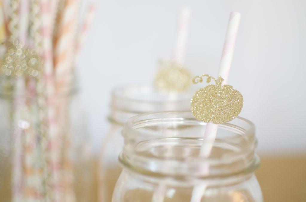 mason-jars-straws