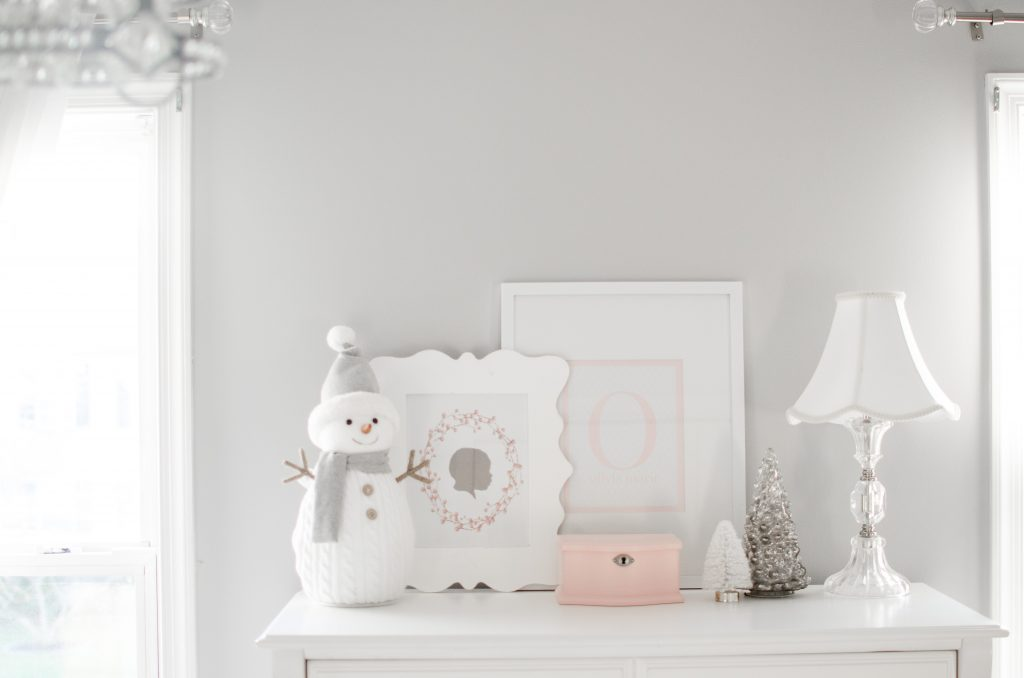 Little girl room christmas decor