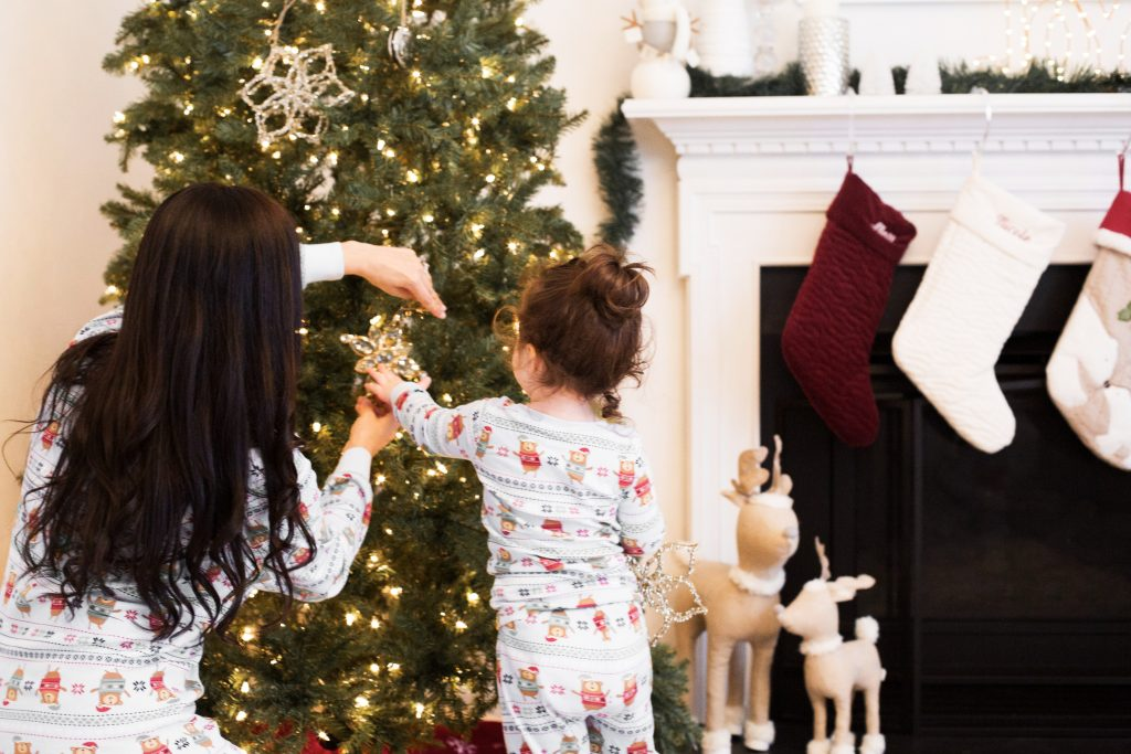 mother daughter christmas tree traditions