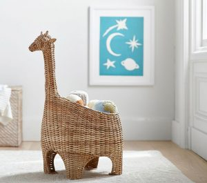 giraffe-shaped-wicker-basket-o