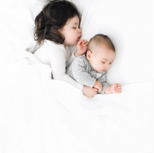 co-sleeping-kids