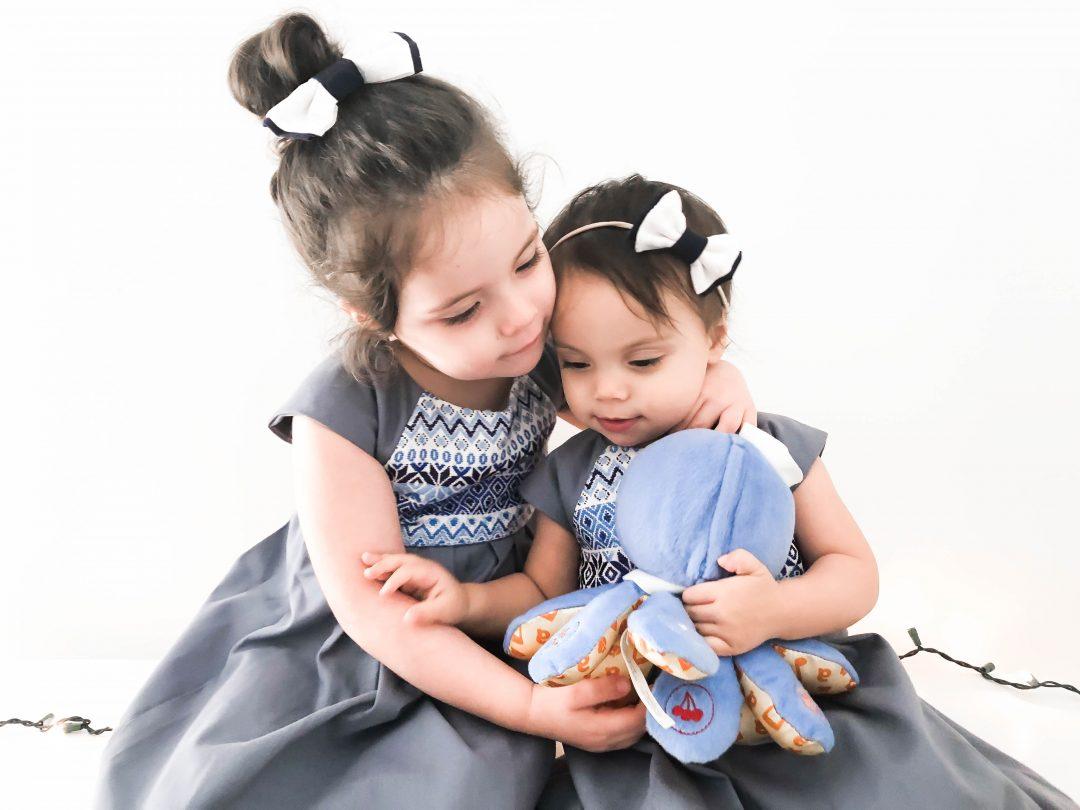 Olivia-Emmy-Sisters